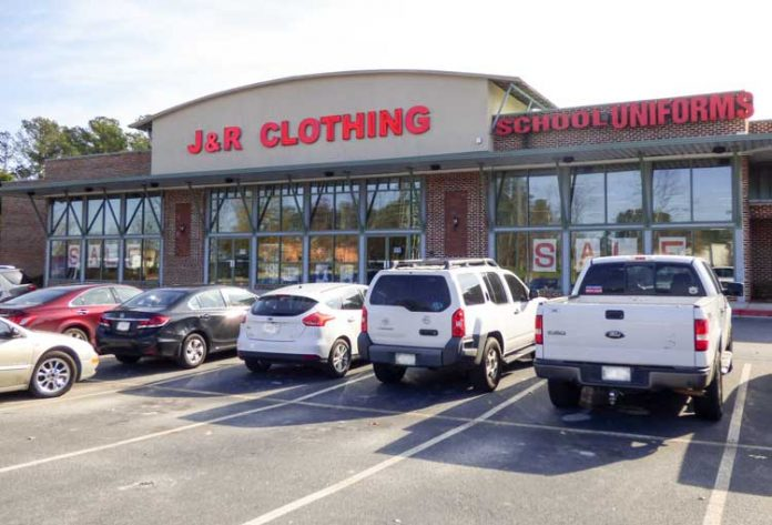 J & R Clothing in north Fayetteville on a recent shopping day. Photo/Ben Nelms.