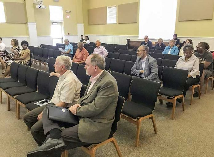 A small crowd gathered Thursday night to see the City Council rescind a proclamation honoring Confederate heritage. Photo/Ben Nelms.