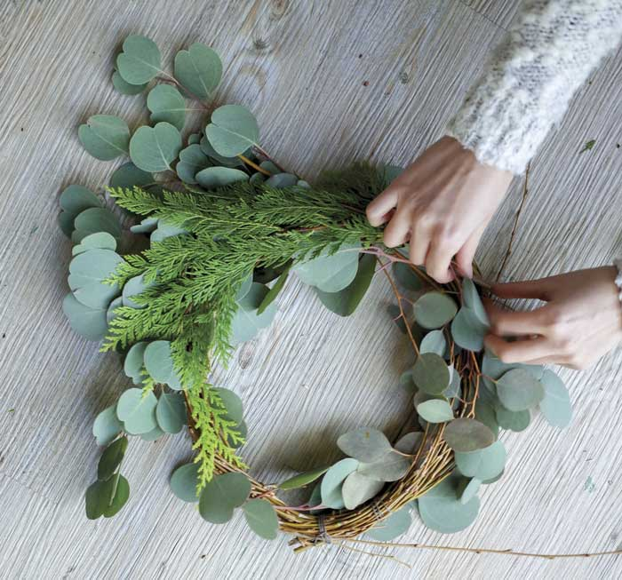 making-wreath