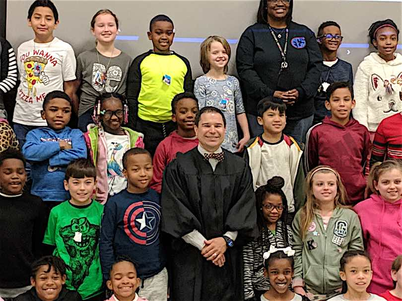 <b>State Court Judge Jason Thompson teaches students at Fayetteville Elementary School about the justice system. Photo/Submitted.</b>