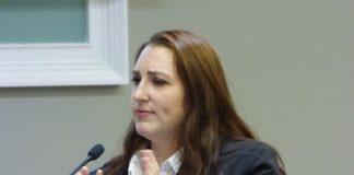 Ashton Harris tells commissioners about vaping dangers. Photo/Ben Nelms.