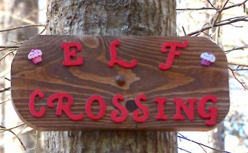 Sign alerts to elf crossing. Photo/Submitted.