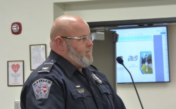 Fayetteville Police Chief Scott Gray speaks to the Fayette County Board of Education.