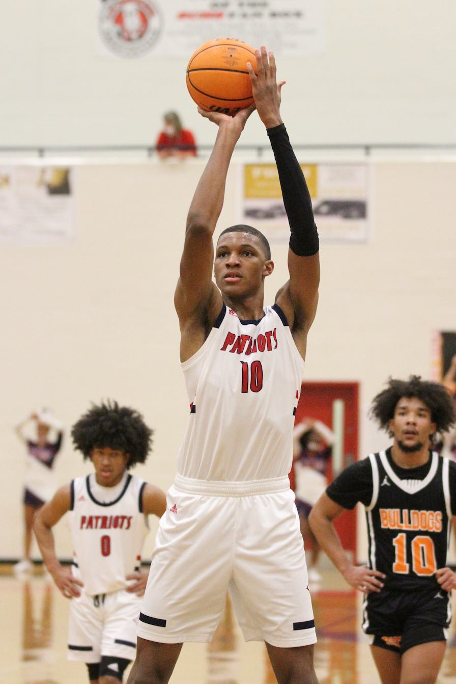 <b>Jabari Smith at the line for Sandy Creek High School. Photo/Chris Dunn/Fayette County School System.</b>