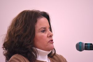 <b>Peachtree City Mayor Vanessa Fleisch at the April 1 City Council meeting. Photo/Cal Beverly.</b>