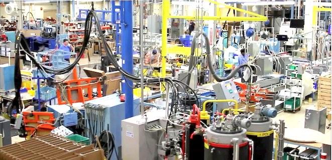 On the production floor at Hoshizaki. Photo/company website.